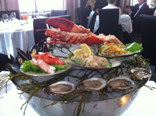 Raymonds Restaurant : seafood appetizer - for 2!