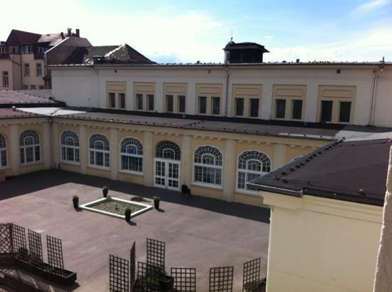 Hotel Villa Emma : Blick aus dem Zimmer auf's Parkhotel