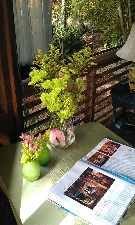 Carambola Restaurant: flowers