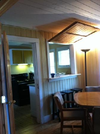 Atlantic Street Inn: full kitchen/ dining room for all guests to use