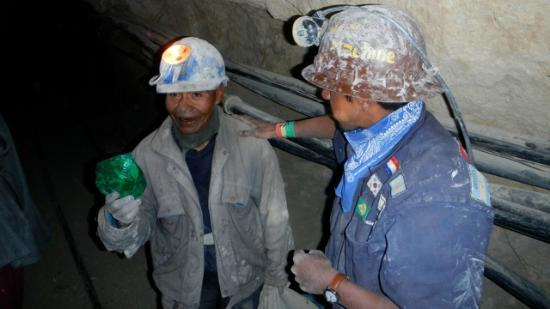 Potosi, Bolivia: Old miner thankful for our coca-leaves