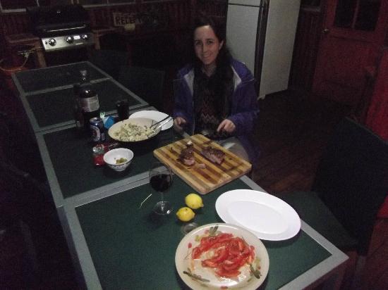 Kaimana Inn Hotel & Restaurant: BBQ!