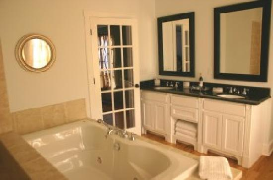 Cameron Inn : Enchanted Bath