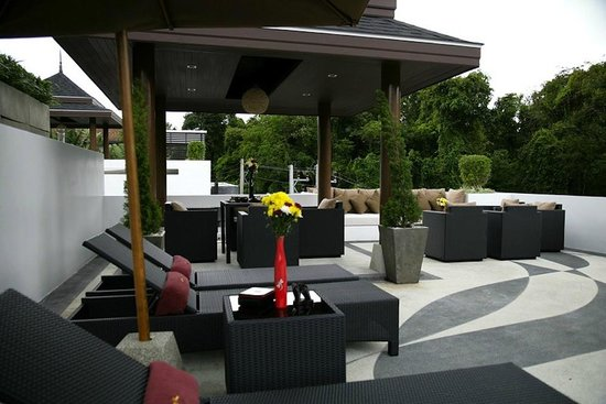 By The Lake Villas: Rooftop Patio