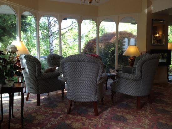 The Burn How Garden House Hotel: lounge