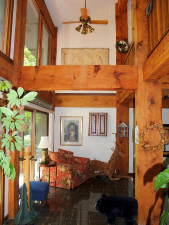 High Woods Bed and Breakfast: Lower level where Richard's and Jenny's Rooms are located.