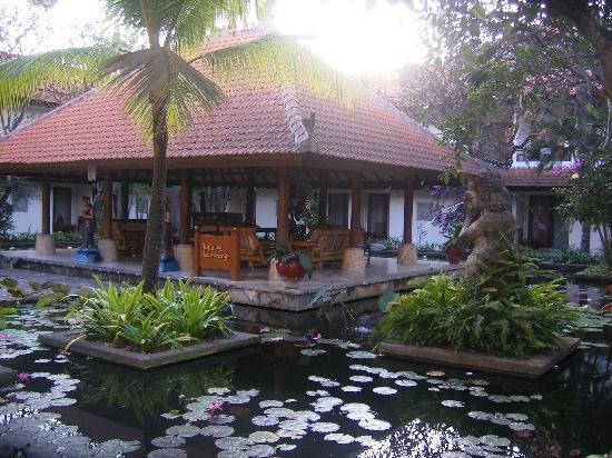 Bali Rani Hotel: Gazebo