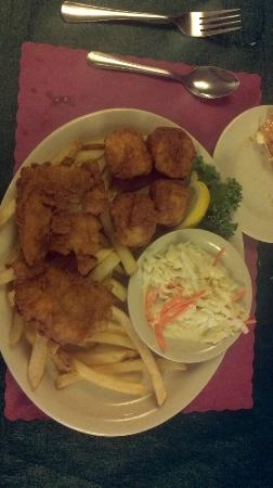 Bull And Claw: Haddock and scallops with fries and slaw