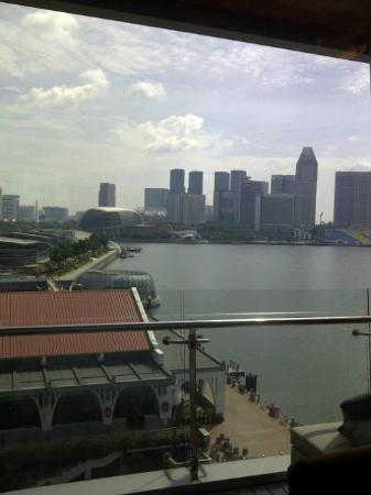 The Fullerton Bay Hotel Singapore : View over Clifford Pier and Marina Bay towards the Esplanade and Suntec
