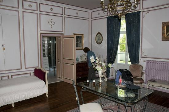 Château de Labessiere : The other end of the Park Room