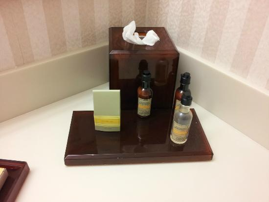 Teaneck Marriott at Glenpointe: Bath amenities