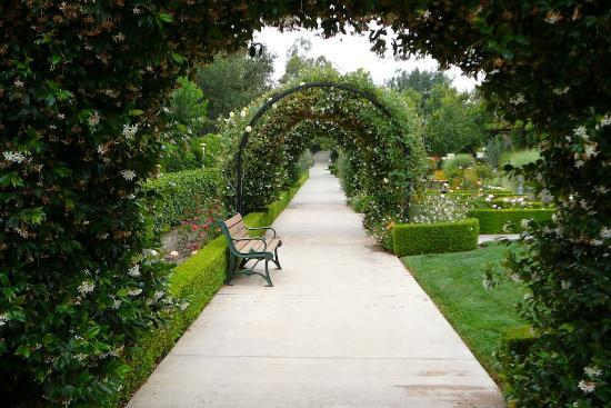 Thousand Oaks, Californië: Gardens of the World Arches