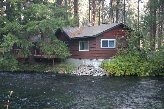 Metolious River Lodges: Dragonfly Cabin