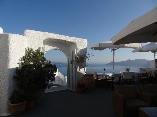 Alexander's Boutique Hotel of Oia: public terrace, and where having the breakfast