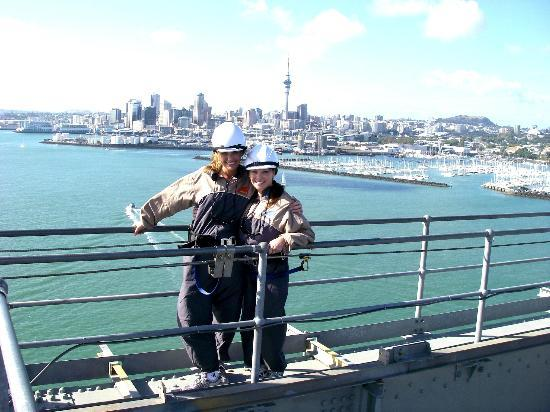 Pont du port d'Auckland : On the bridge