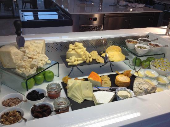 The St. Regis Saadiyat Island Resort: cheese selection