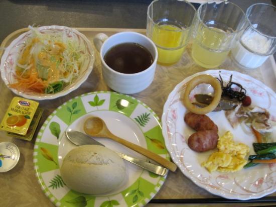 Hotel Route-Inn Kamisuwa: 朝食ビュッフェ