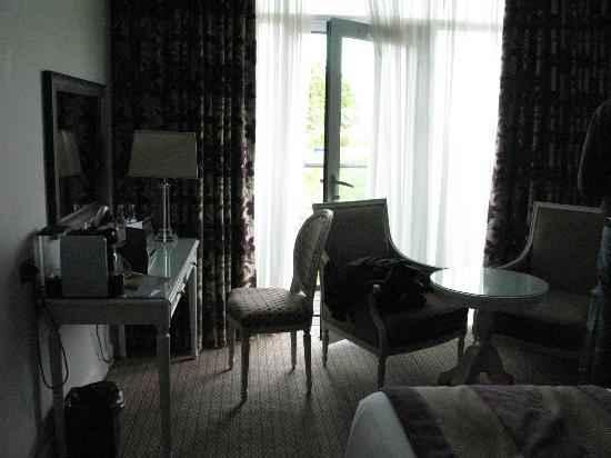 The Oxfordshire Golf Club & Hotel: Std room sitting area