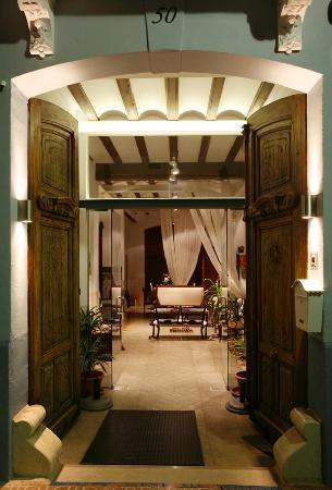 Casa Arizo: Entrada principal