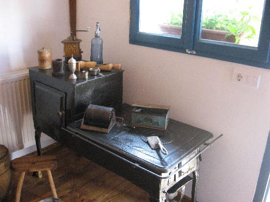 Pension Cartref: The Stove With Old Kitchen Equipment