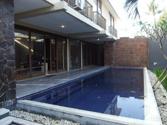 The Grove Villas: Pool