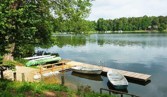 Landhaus Himmelpfort am See : Der hauseigene Steg am Haussee