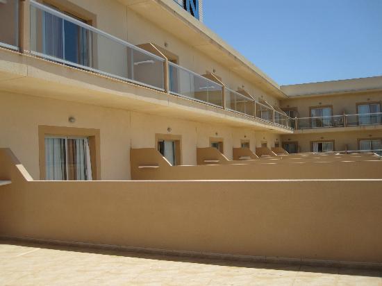 Cabogata Mar Garden Hotel Club & Spa: vista de otras terrazas