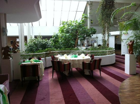 Resort Die Wutzschleife: Blick zum Wintergarten
