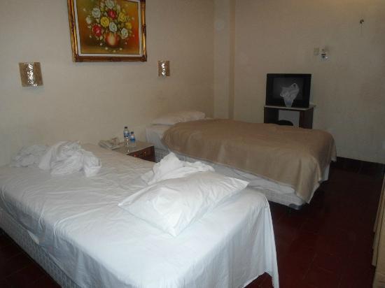 Grand Rosela Hotel: Room