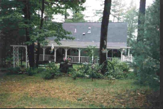 Rusk's Lodging: Front view of house