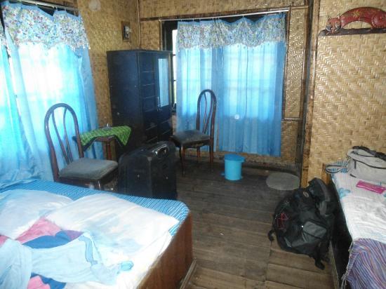 Yoschi's Hotel in Mountain Bromo : Room
