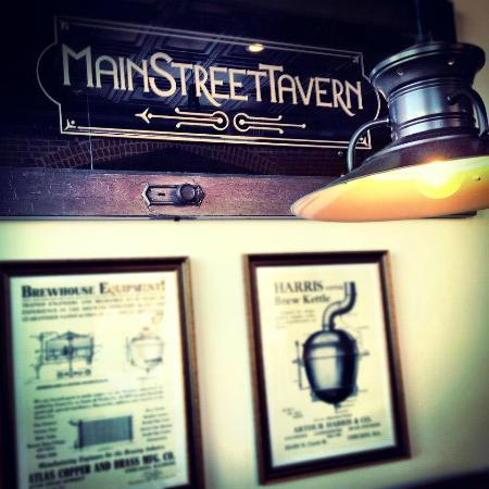 Main Street Tavern: Interior Decorations