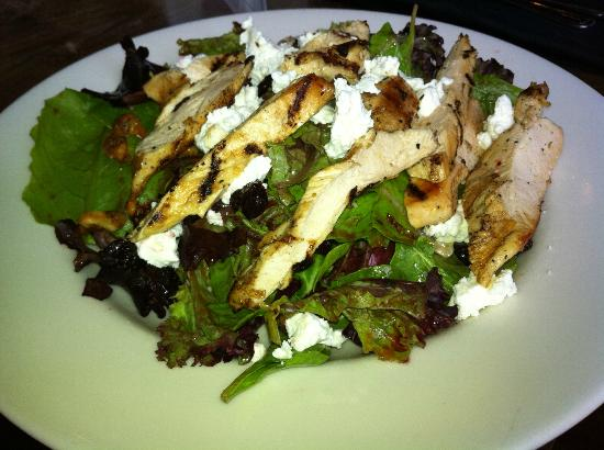 Main Street Tavern: Raspberry Walnut Salad with Grilled Chicken