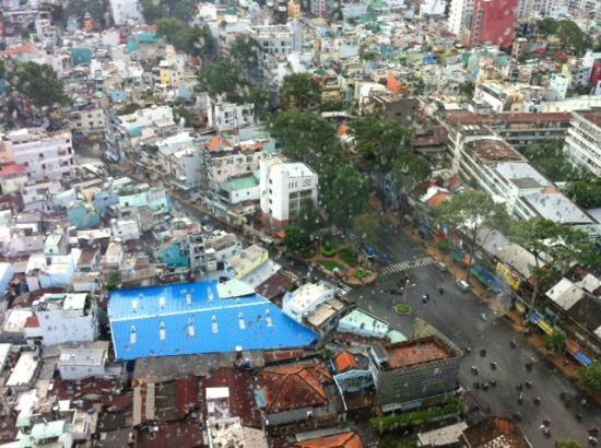 ويندسور بلازا هوتل: Saigon from my 21th floor room window 