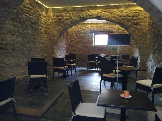 Can Güell Hotel Resort: salón de desayuno