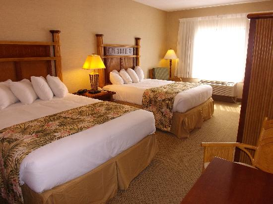 Maui Sands Resort & Indoor Waterpark: Queen Lily Room