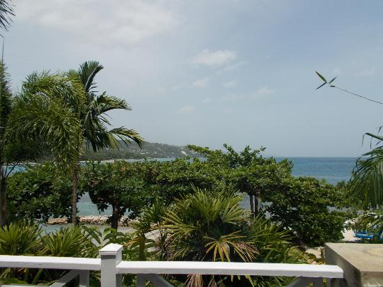 Round Hill Hotel & Villas: View from on of the Villas