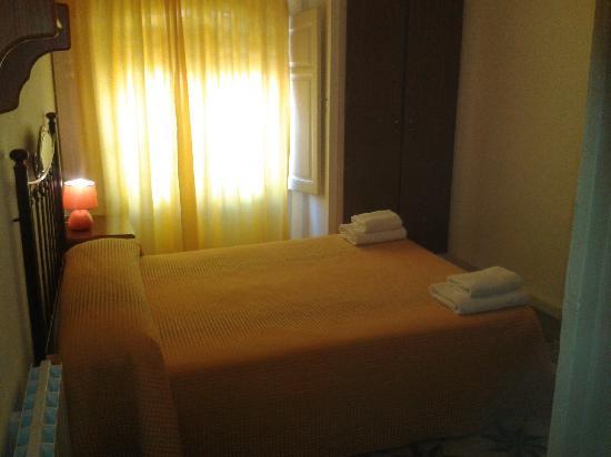 Hostal Santa Teresa: habitacón de matrimonio