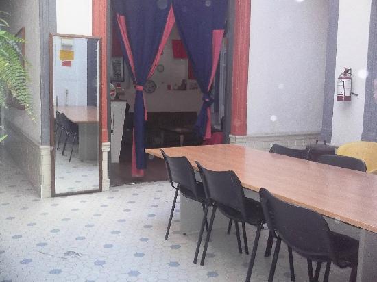 Red hostel: Sala de Juegos/Biblioteca
