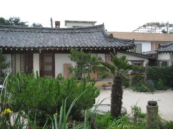 Sa Rang Chae Guesthouse: Esterno
