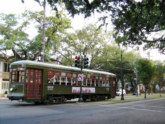 Grand Victorian Bed & Breakfast: Trolley