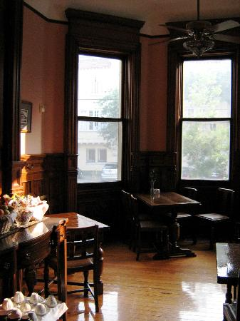 Grand Victorian Bed & Breakfast: Dining Room
