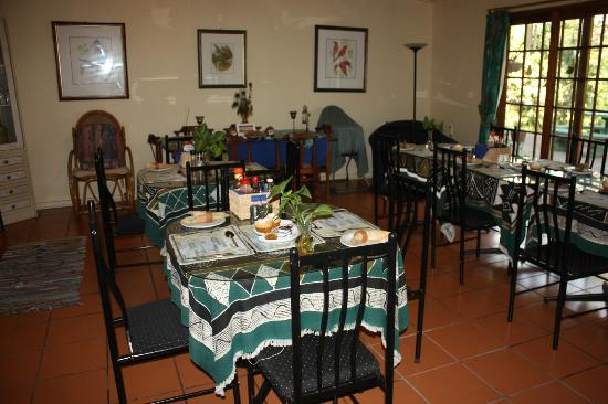 Igwalagwala Guest House: Dining room