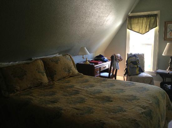 South Cliff Inn: Harbour Room