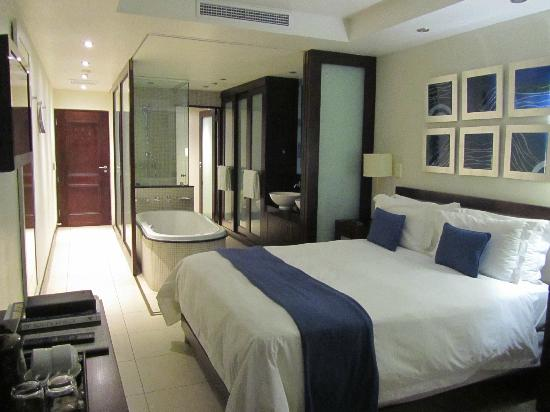 San Lameer Resort Hotel & Spa: Room
