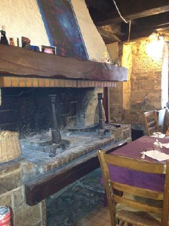 Le P'tit Loup : old cooking fire
