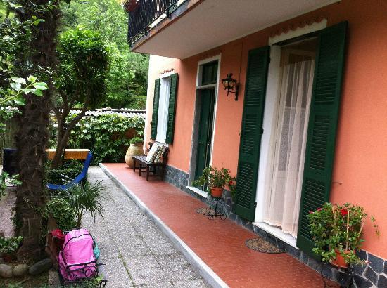 Целле-Лигуре, Италия: Vista esterna b&b La Casa al Mare Celle Ligure