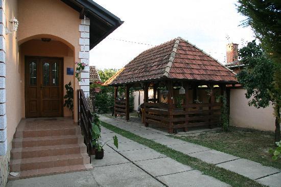 Apartments Vrata Baranje: House