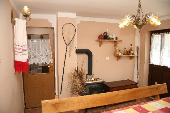 Apartments Vrata Baranje: Kitchenette