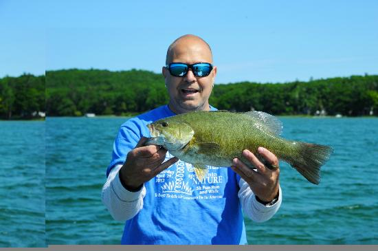 Traverse City Bass Guide Service : 5lb Small mouth Platte Lake